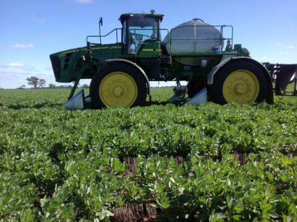 Tridekon Crop Dividers on John Deere
