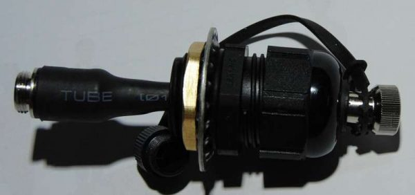 connector for cables through side wall of air-seeder tanks